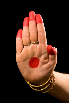 Know The Single-Hand Bharatanatyam Mudras And Their Significance