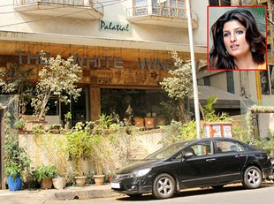 Interior design of twinkle khanna house Home design and style