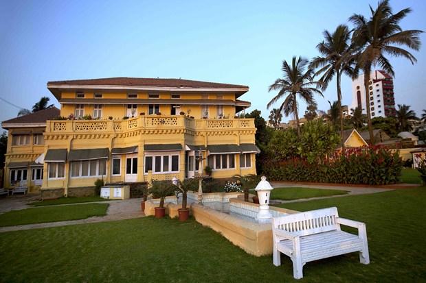 Priyanka Chopra invests in Mumbai Property worth Rs. 100 ...